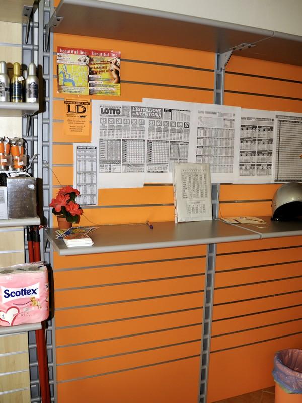 arredamento tabacchi e giornalai arredo negozi