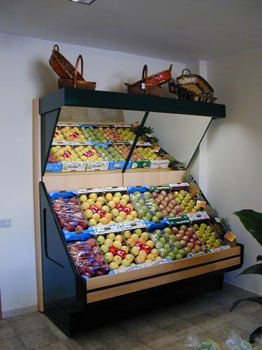 Arredamento negozi di frutta e verdura arredo negozi for Negozi di arredamento firenze